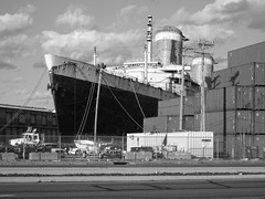 The United States. (S.S.) (buzmurdockgeotag) Tags: boat ship historic docked oceanliner theunitedstates ssunitedstates unitedstatesoceanliner