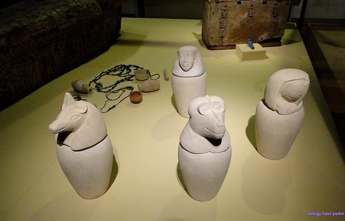 Vasos canopos (Museo Arqueológico Nacional)