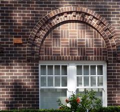 Brick arch above the window ** Explored ** (boeckli) Tags: windows windowwednesdays fenster brickwork bricks steine mauer mauersteine mauerwerk arch architecture architektur outdoor white weiss bogen newwallwednesday dwwg building gebäude