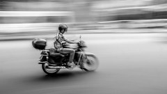 Out of Focus (Foto_Michel) Tags: street blur bike bokeh strasse streetphotography olympus motorbike unscharf omd mopped motorrad em1 unschrfe urlaubchina2016