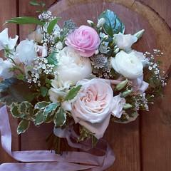bridesmaid's bouquet (Flower 597) Tags: centerpiece corsage weddingflowers weddingceremony boutonniere bridalbouquet weddingbouquet weddingflower floralcrown weddingflorist ceremonyarch flower597 torontoweddingflorist
