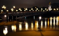 Crue de la Seine 2016 - Paris, Pont Alexandre III (EclairagePublic.eu) Tags: paris seine flooding eau flood lumire iii berge pont pniche alexandre quai inondation lampadaire naturelle catastrophe crue luminaire candlabre