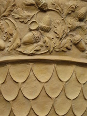 At Painswick rococo garden (Dubris) Tags: england urn garden gloucestershire acorn rococo painswick rococogarden