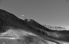 mond - landschaft (gerhard.haindl <on/off>) Tags: blackandwhite bw moon monochrome berg rock landscape outdoor nopeople fels landschaft xf noclouds schwarzweis 14xp0472v10