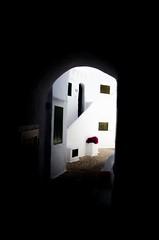 Oltre (ambrama) Tags: nikon d7000 nikkor silenzio silencio silence pace peace white bianco binibecca minorca menorca