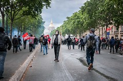 Paris - Grève Génèral (Melissa Favaron) Tags: paris france riot police gas francia parigi polizia sciopero clashes feriti scontri lacrimogeni blessés scioperogenerale scioperonazionale grevegeneral loidutravail grevenational