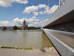 Reichsbrucke, Donauinsel (Luc.T) Tags: wien bridge geotagged austria pont brug brucke wienleopoldstadt geo:lat=4822788055 geo:lon=1640936617