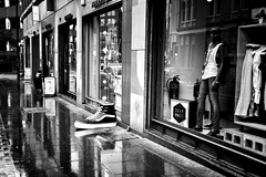 The observer (tootdood) Tags: blackandwhite reflection wet rain shoe big observer canon600d monomayhem