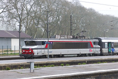 20130503 017 Bar-le-Duc. 15007 Train 839104, 11.33 to Paris Est (15038) Tags: france electric trains locomotive railways sncf 15007 bb15000 barleduc