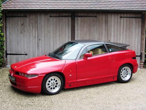 Alfa Romeo SZ (1990).