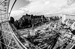 shadows (jonasginter) Tags: festival strasse september bremen fest sonntag fahrrad riesenrad stadtfest strassenfest autofreiersonntag autofreierstadtraum sternkultur neustadtmbsag