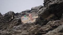 Entre les rochers (olyv70) Tags: plage rocher atlantique ocan naturisme naturiste nudisme loireatlantique nudiste paysderetz