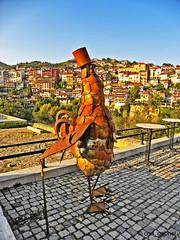 Un coco mito (= mit Stock) n Veliko Tarnovo (cod_gabriel) Tags: cock bulgaria cocos velikotarnovo bulgarien velikoturnovo bulgaristan    velikotrnovo      coco     velikotrnovo