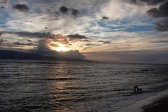 Maui, Hawaii, Al tramonto (Sailorsimo) Tags: boy sunset usa dog silhouette maui lahaina
