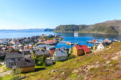"Perfect summer in ""the worlds northernmost town"", Honningsvg Norway (Maria_Globetrotter) Tags: road city trip sea summer panorama beautiful norway canon buildings wow wonderful point landscape norge town nice fantastic globe perfect colorful day ship village view angle awesome extreme north wide over norwegen super visit aerial norwegian clear cap stunning cape noruega lovely typical northern incredible picturesque climate breathtaking stad mainland legoland sommar finnmark hurtigruten noorwegen nordkap subarctic norvge nordkapp barents   650d 1585 vrldens img1059 northcapeglobe nordpunkt nordligaste northscape mariaglobetrotter"