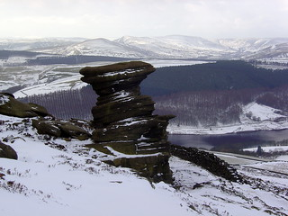 The Salt Cellar above Ladybower Reservoir, 27th Feb 2005.