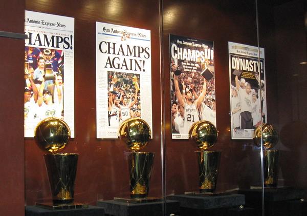Spurs-trophies20090312
