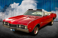1968 Olds Cutlass Supreme-200 (Revybawb2010) Tags: oldsmobile convertiblescarshows