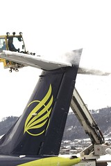 Clearing the snow from the tail of HB-AEV BRN 25Jan2015 (Citation Ten) Tags: deicing bernbelp