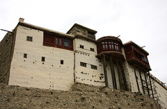 altit fort (jzielcke) Tags: world voyage road travel pakistan de la reisen highway asia tour south silk du route karakoram kkh monde hunza soie reise welt karakorum   seidenstrasse    seidenstrase  silkenstrasse silkenstrase