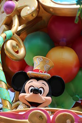 Happiness Is Here (sidonald) Tags: tokyo disney mickey parade mickeymouse tokyodisneyland tdl  tdr tokyodisneyresort   happinessishere
