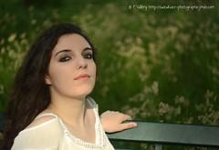 DSC_1385+ (SuzuKaze-photographie) Tags: portrait woman lyon bokeh femme parc swirly helios442 suzukazephotographie