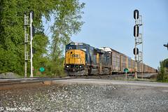 Class light's on a ex Conrail ! (Machme92) Tags: railroad ohio sky clouds rail trains row rails autos railfan freight racks railroads csx freighttrain conrail railroading emd railfanning csxt railfans trainrace