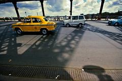 @ Howrah Bridge (Kals Pics) Tags: howrah bridge kolkata westbengal yellowtaxi travel street vehicles cwc roi chennaiweelendclickers rootsofindia architecture pov perspective lightandshadow lightandlife construction calcutta sky clouds weather climate kalspics