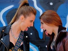 Serie Rockfitis - Cynthia y Eva 01 (Nitideces de Miguel Emele) Tags: portrait people woman sexy girl beauty fashion mujer model glamour chica gente retrato moda modelo sensual fujifilm belleza elegance elegancia xt1 xf1655