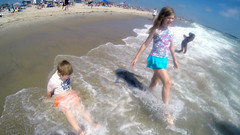 G0082228 (Tom Simpson) Tags: ocean beach maddie newjersey nj nate nathaniel madeline jerseyshore boogieboard avonbythesea