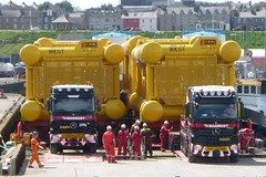Mammoet (A9 AWM) Tags: mammoet mercedes wick harbour heavyhaulage towhead