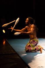 Le jongleur... (a.mazone) Tags: artiste jongleur massue rachidi kaloum yekini sogu