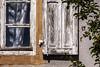 les affres du temps qui passe (mrieffly) Tags: volet fenêtres carreaux vitre usure canoneos50d 100400issériel