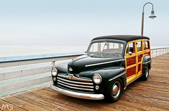 San Clemente Ocean Festival 2013 7.20.13 6 (Marcie Gonzalez) Tags: marcie gonzalez marciegonzalez marciegonzalezphotography photography canon woodies woody pier piers san clemente ocean festival orange county southern california socal so cal beach water oldies oldie car cars vintage antique classic wood paneling panel wooden vehicle transportation classics planks planking chrome metal shinny collector collectors restored elegant elegance parade display show grey day cloudy overcast hot rods event yearly shore coast usa us united states america north americana 2013 sanclementeoceanfestival