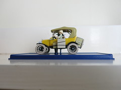 Tintin (Peter Curbishley) Tags: france toy model snowy tintin modelt herge yellowcar