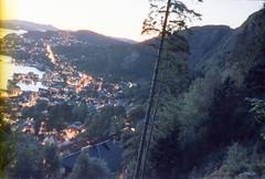 14 Bergen (M. SCHULZ) Tags: exa 1b canon 9000f kodak farbwelt 400 analog norwegen 35mm fløyen bergen film norway norge ihagee iso analogue