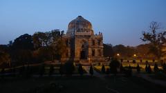 Sheesh Gumbad (johnpaulsimpson) Tags: park india gardens night dusk delhi sony tomb cybershot bara tombs newdelhi lodi 2014 gumbad lodipark rx100m2