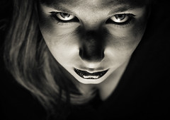 Seize the Light (Christine Lebrasseur) Tags: portrait people blackandwhite woman france art canon teenager fr onblack highangle gironde léane saintloubes allrightsreservedchristinelebrasseur