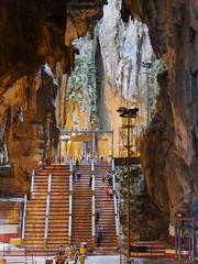 KualaLumpurBatuCaves016 (tjabeljan) Tags: caves malaysia kualalumpur hindu batu batucaves hindi maleisi