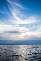 (Elas Valverde F.) Tags: blue sky lake titicaca beautiful relax lago amazing outdoor bolivia places roja sudamerica
