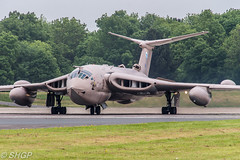Handley Page Victor K.2 XM715, Cold War Jets Open Day May 2016, Bruntingthorpe (harrison-green) Tags: cold plane canon war day open force aircraft aviation air jets may royal sigma aeroplane victor v page k2 bomber tanker raf handley 2016 marham bruntingthorpe xm715 18250mm 700d