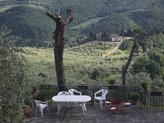 Acone_e-m10_1005065280 (Torben*) Tags: italien italy table landscape terrasse patio tuscany tisch landschaft toskana acone rawtherapee olympusm1442mmf3556iir olympusomdem10