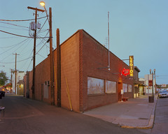 (lucas.deshazer) Tags: washington mural neon 4x5 chamonix largeformat toppenish kodakportra400