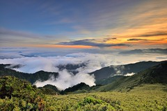 合歡山主峰~雲之雲彩~ Clouds Sunset (Shang-fu Dai) Tags: 台灣 taiwan 合歡山 主峰 3416m 3417m 雲海 sea clouds sunset hehuan nikon d800 mt afs1635mmf4 夕陽 landscape 戶外 formosa 天空 山 風景 雲