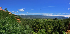 Panorama du nord Lubron (Diegojack) Tags: panorama vacances nikon provence roussillon paysagesfrance nikonpassion d7200