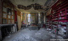 bedtime stories... (Stonas Monee) Tags: leave abandoned beauty lost photography photo nikon flickr photographie place image pics decay exploring picture explore forgotten exploration derelict hdr decaying aside ue verlassen batter laying urbex resignation urbaine abbandonato verlaten lostplace dilapidate nikond3100 urbanvagabond chateauseccesion