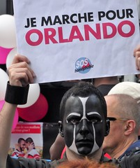 Je marche pour Orlando (Jeanne Menjoulet) Tags: marchedesfiertés lgbt paris 2juillet2016 lesbiangaypride gay trans gaypride pride orlando soshomophobie homophobia lbgt