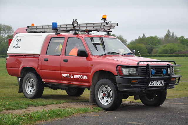 city red rescue field manchester fire airport jeep 4x4 air cover toyota vehicle 1997 service barton rapid airfield response intervention hilux rrv