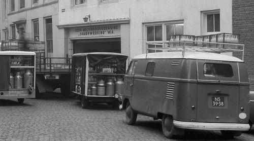 "NS-39-38 Volkswagen Transporter bestelwagen 1954 • <a style=""font-size:0.8em;"" href=""http://www.flickr.com/photos/33170035@N02/9272721356/"" target=""_blank"">View on Flickr</a>"