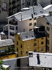 Andorra living: Escaldes, Andorra city (lutzmeyer) Tags: pictures city autumn sunset oktober living october sonnenuntergang photos images roofs 300mm fotos oben andorra bilder pyrenees pirineos pirineus tardor pyrenen puestadelsol imatges dcher escaldes partalta postadelsol carrerdesantaanna avingudacarlemany mfmediumformat placadelesglesia andorracity lutzmeyer lutzlutzmeyercom octubreherbst